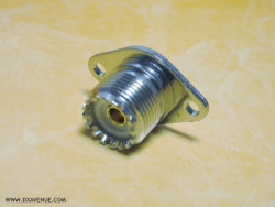 SO-239 Chassis mount socket 2 holes (UHF-Female)