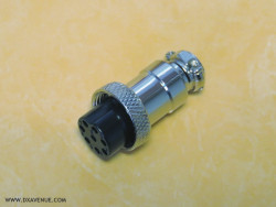 8-pin microphone plug