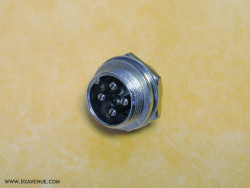 4-pin microphone socket