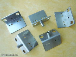 5 stainless steel brackets with cross brace