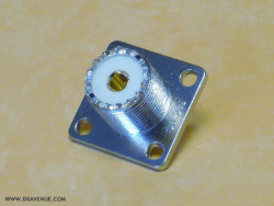 SO-239 Chassis mount socket (UHF-Female)