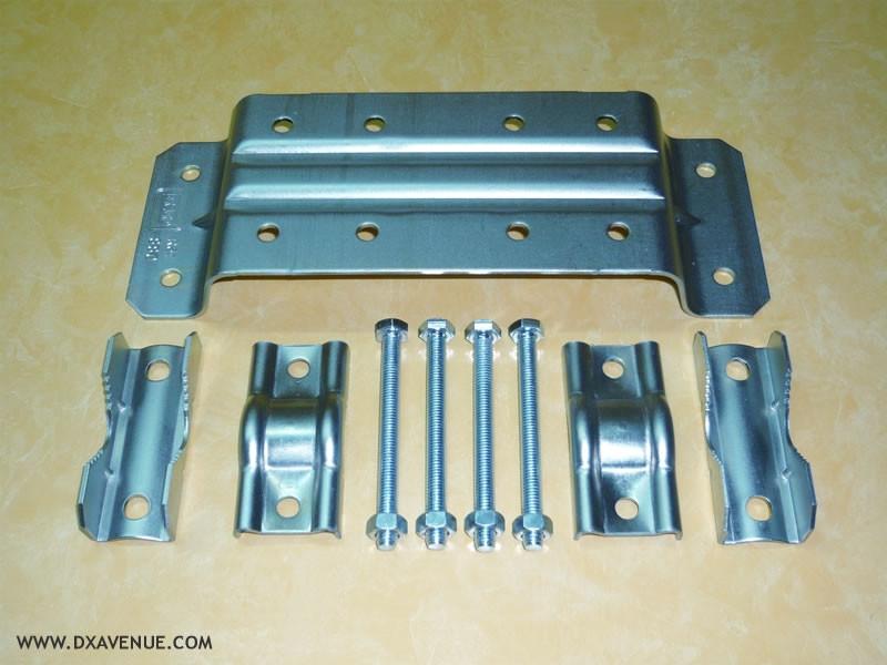 Multi-use mount for tubular mast