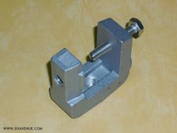 Etrier de contact en aluminium